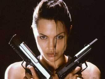 Анджелина Джоли в роли Лары Крофт